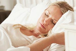 d12af3cd01ce73 Czy duży biust może być problemem? Niestety, dla wielu pań większe piersi  wiążą się z dyskomfortem – nie tylko na co dzień, ale także podczas snu.