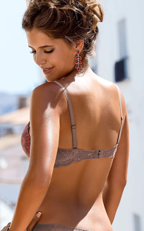 biustonosz o cienkich ramiączkach - zdjęcie